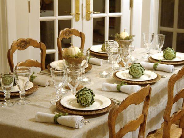 Как оформить стол в домашних условиях