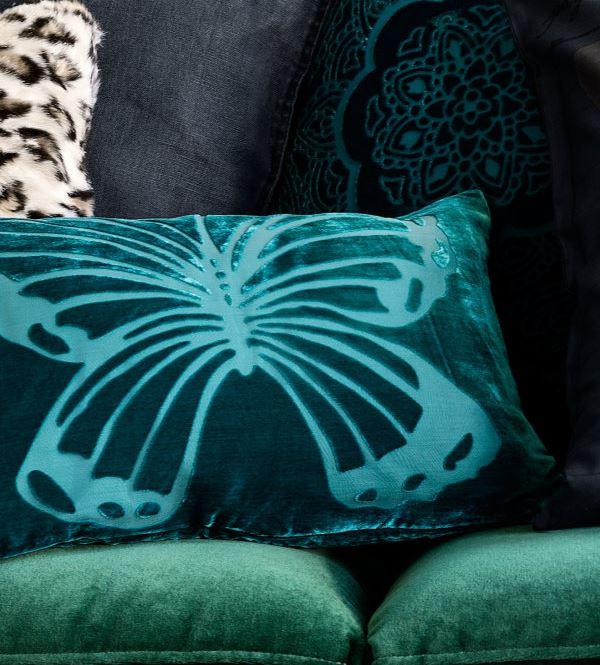 Бабочка на подушке