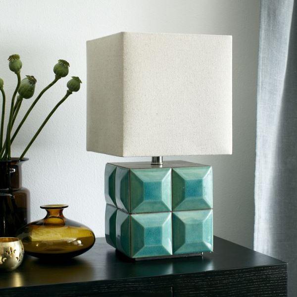 Квадратная настольная лампа