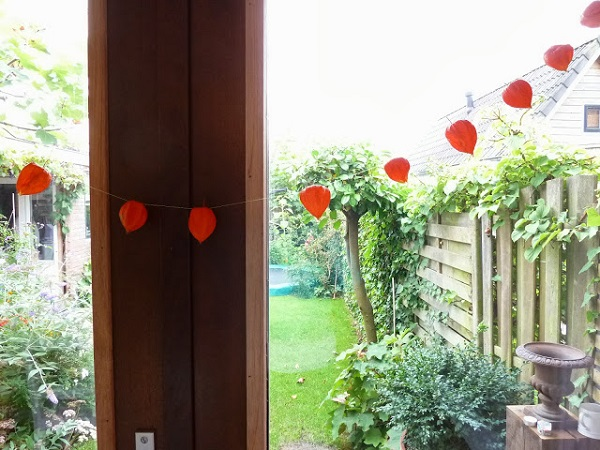 Autumn garlands - photos of homemade products