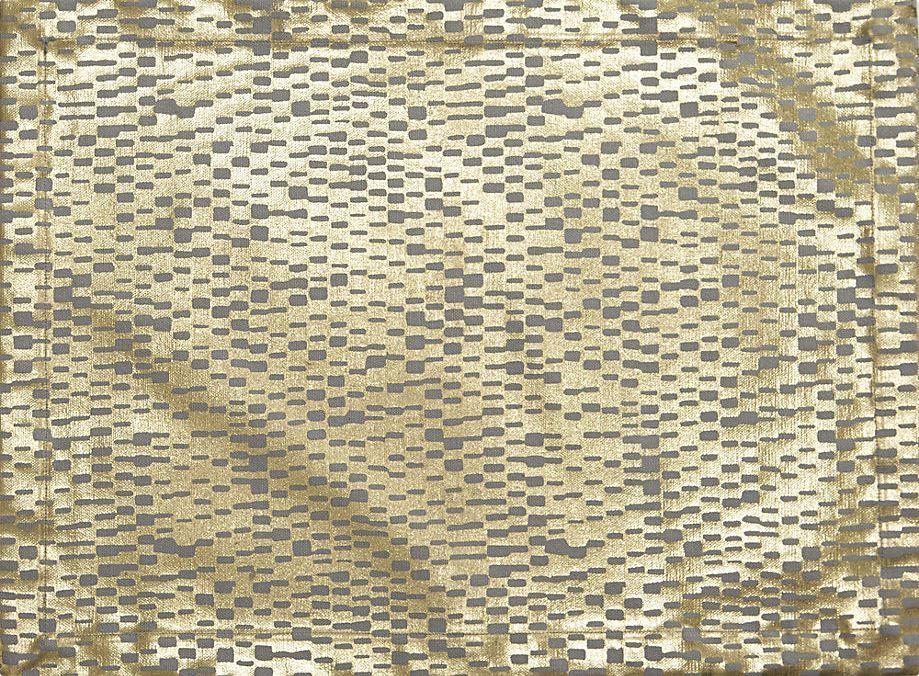 Золотистый узор на салфетке