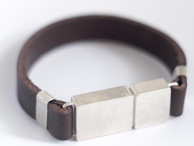 Необычное устройство Usb в форме мужского браслета