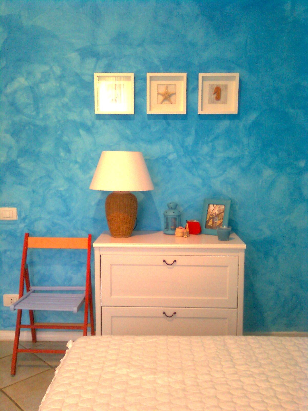 Декоративная отделка в дизайне интерьера гостиной