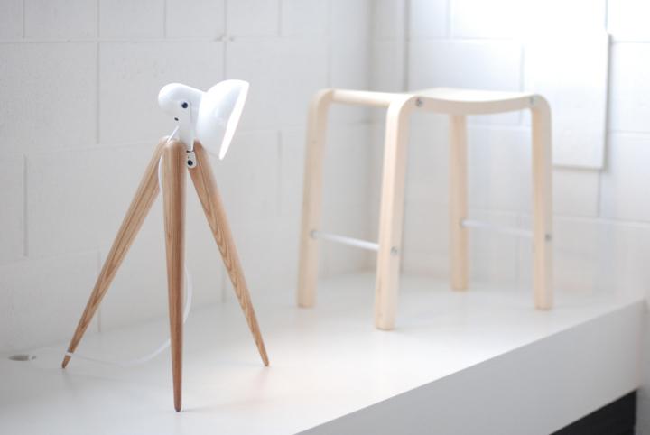 Удивительный деревянный светильник Fellow Lamp от Y.S Collective