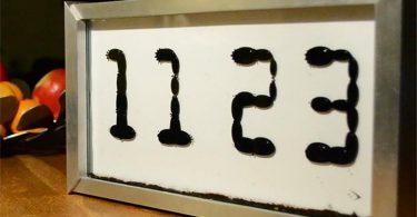 Ferrolic: часы с анимацией жидких намагниченных капель