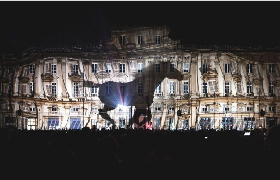 Чудная световая инсталляция на Фестивале света