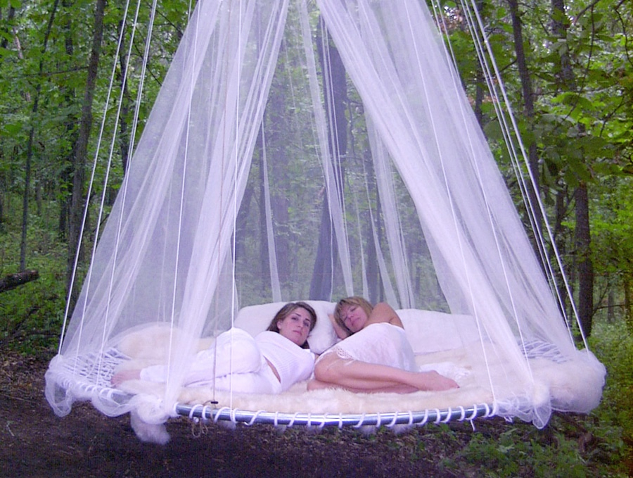 Плавающая кровать