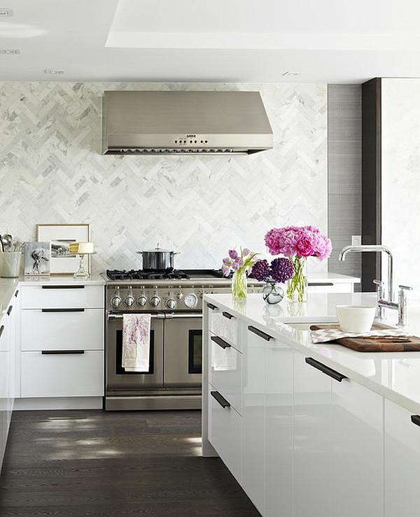 Букет цветов в декоре кухни