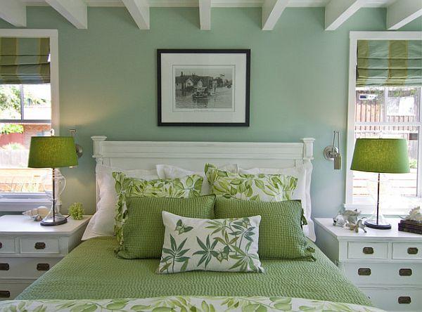 Интерьер спальни в нежно-зелёном цвете