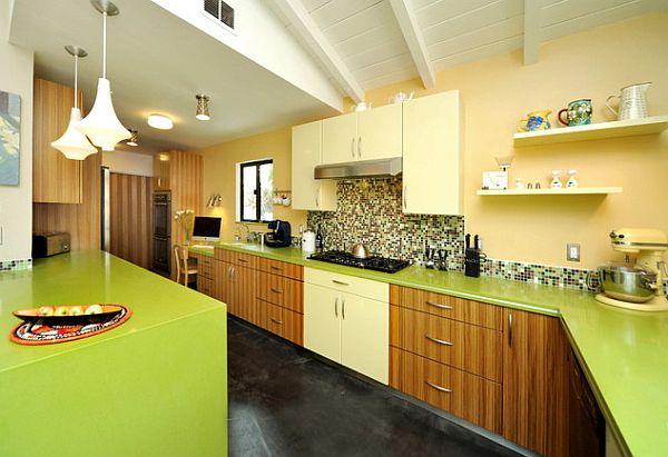 Зелёная столешница на кухне