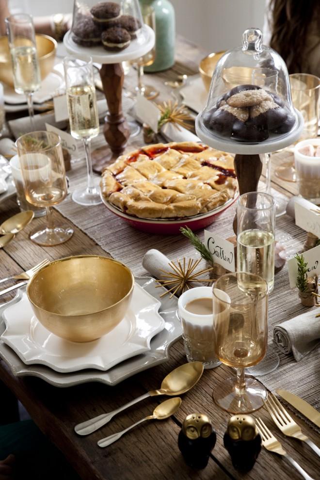 Сервировка на праздничном столе