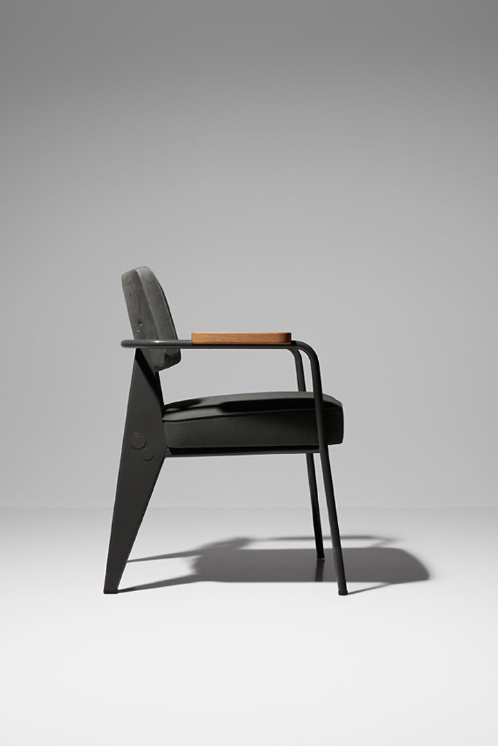 Черное кресло из коллекции мебели от G-Star RAW