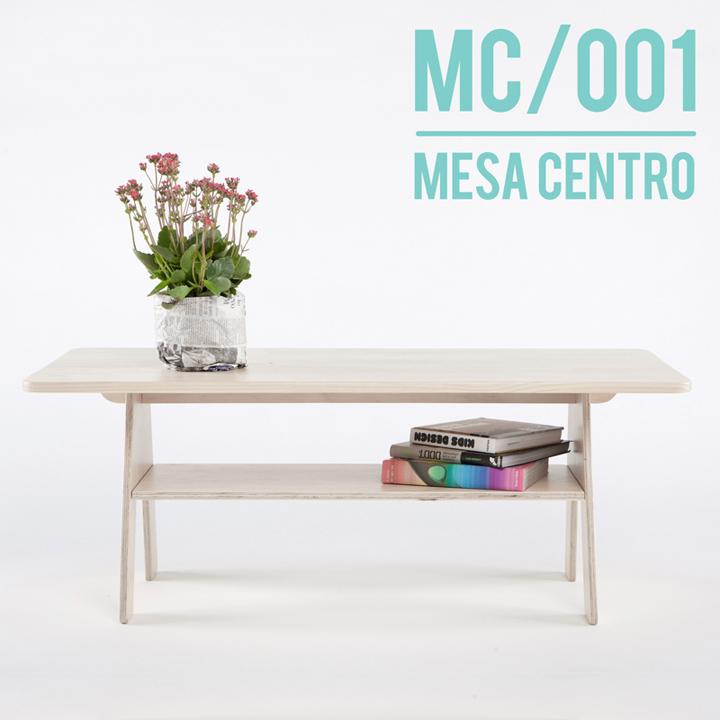 Дизайнерский столик с элементами декора