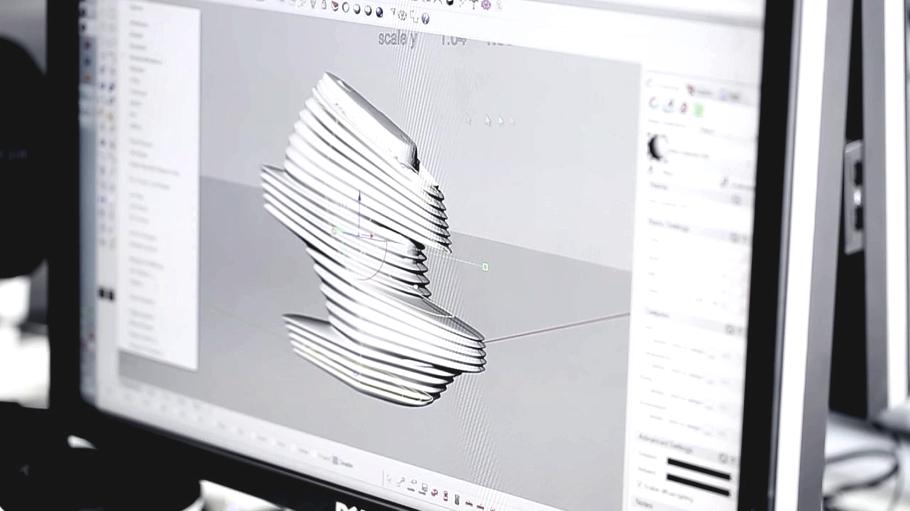 Составления макета футуристической обуви на компьютере