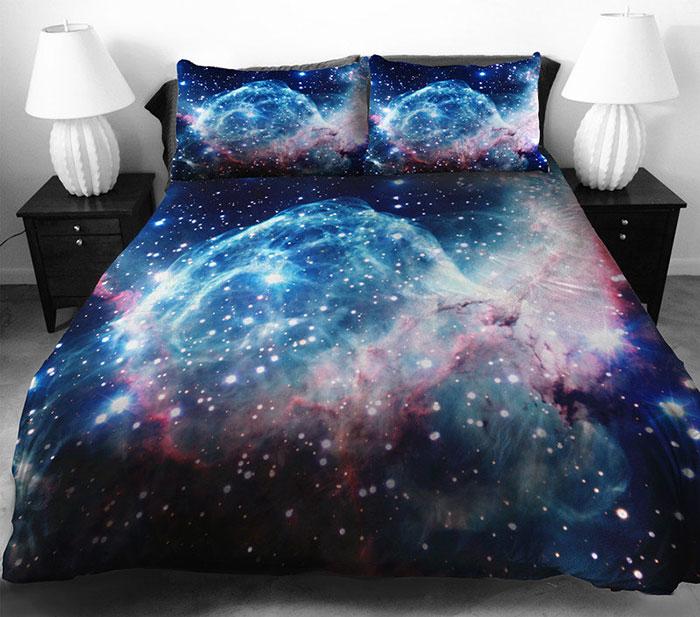 Чудесное постельное белье с космосом