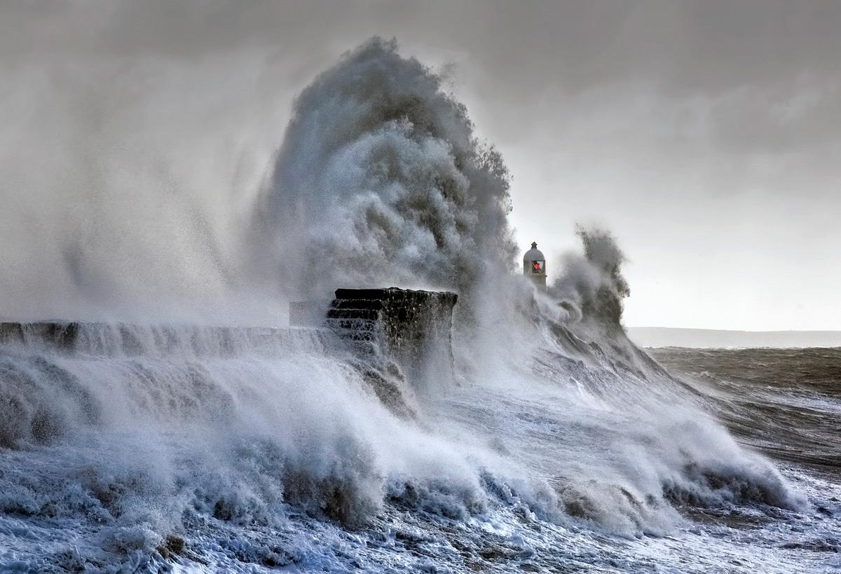 Потрясающие штормовые волны: любительские фотографии от Стива Гаррингтона
