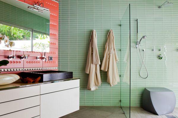 Необычный пуф в интерьере ванной комнаты