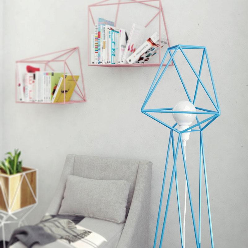 Геометрические светильники в интерьере комнаты