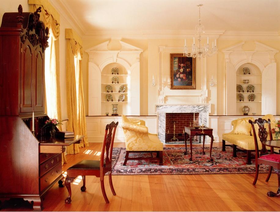 Интерьер гостиной в стиле Georgian Colonial