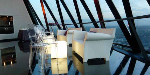 Белые кресла для офиса