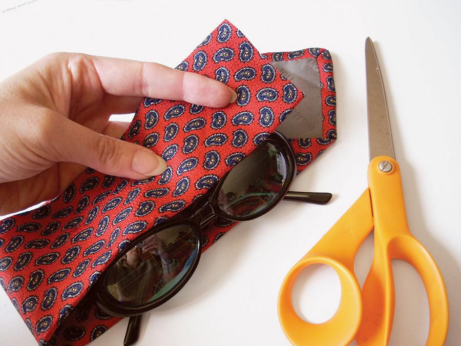 Платок-галстук для защиты очков