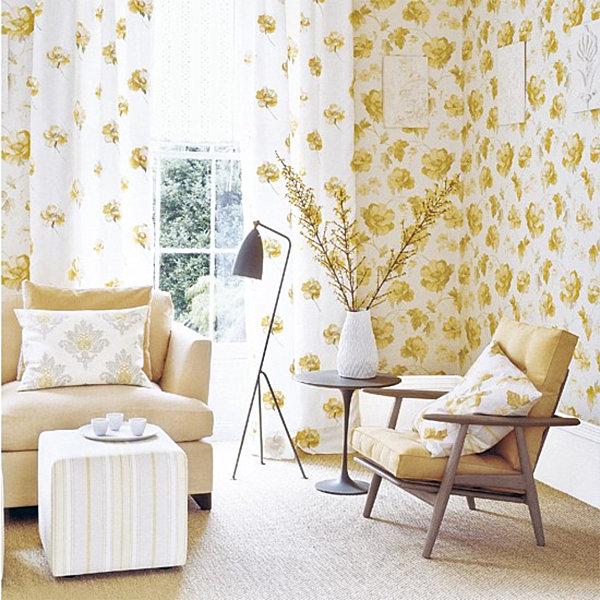 Золотисто-желтые акценты гостиной