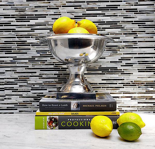 Лимонно-желтые акценты в современной кухне