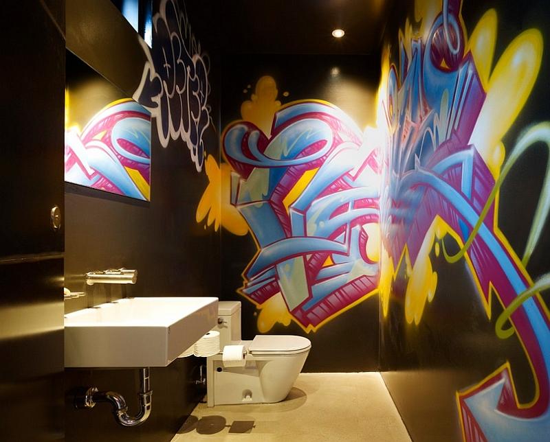 Головокружительные граффити на стене комнаты