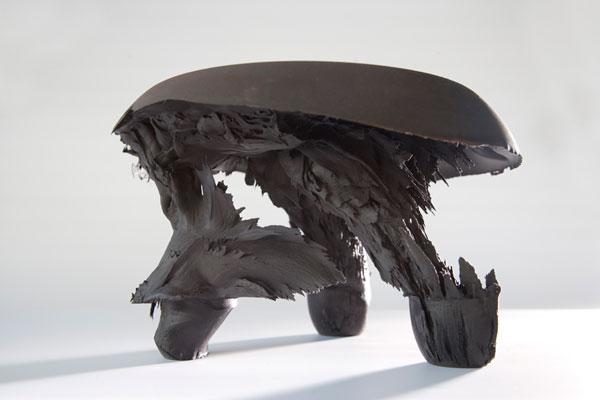 Необычная гравитационная табуретка от Jólan van der Wiel