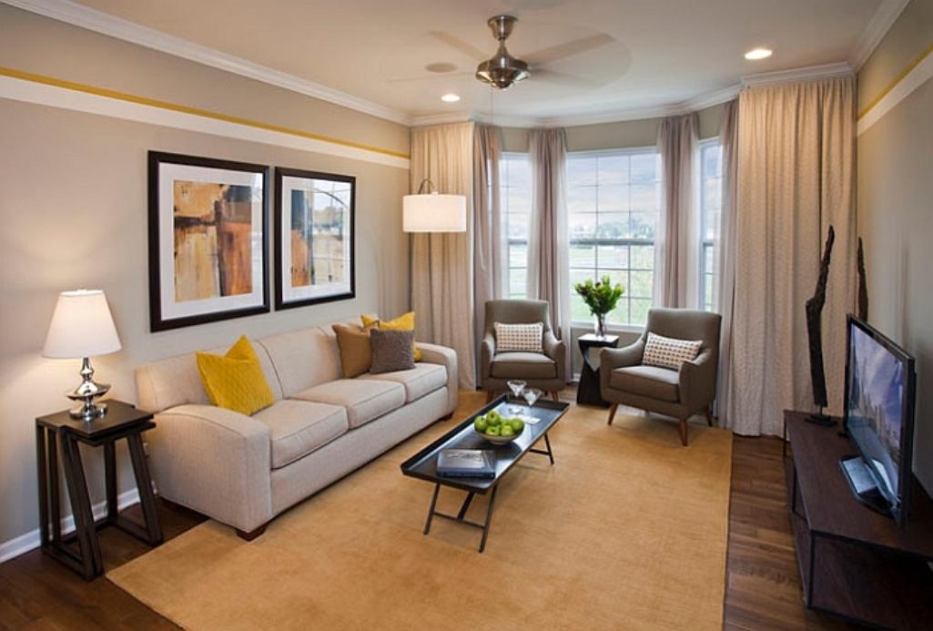 Желтые и коричневые тона гостиной