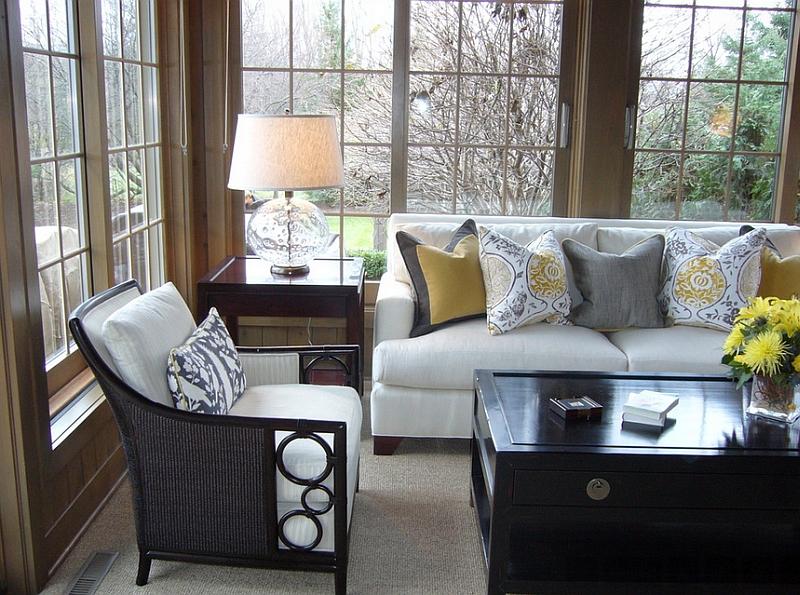 Дизайнерские подушки в серо-желтой гамме