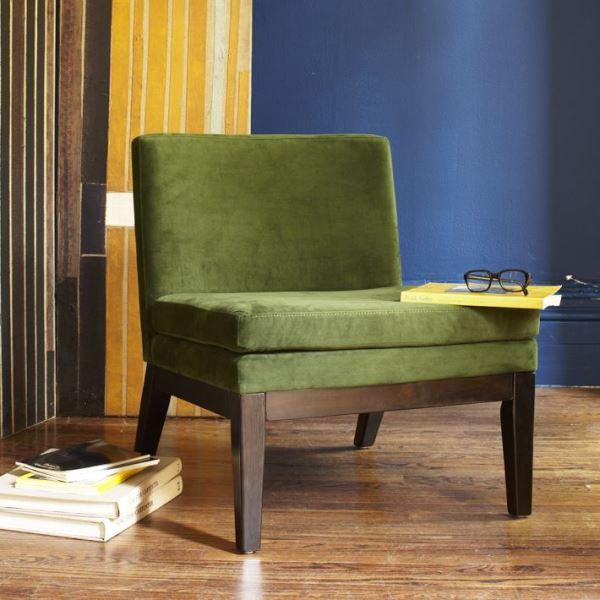 Удобный оливковый мягкий стул