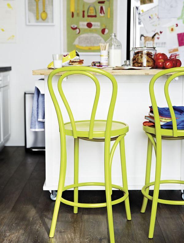 Яркие салатовые барные стулья