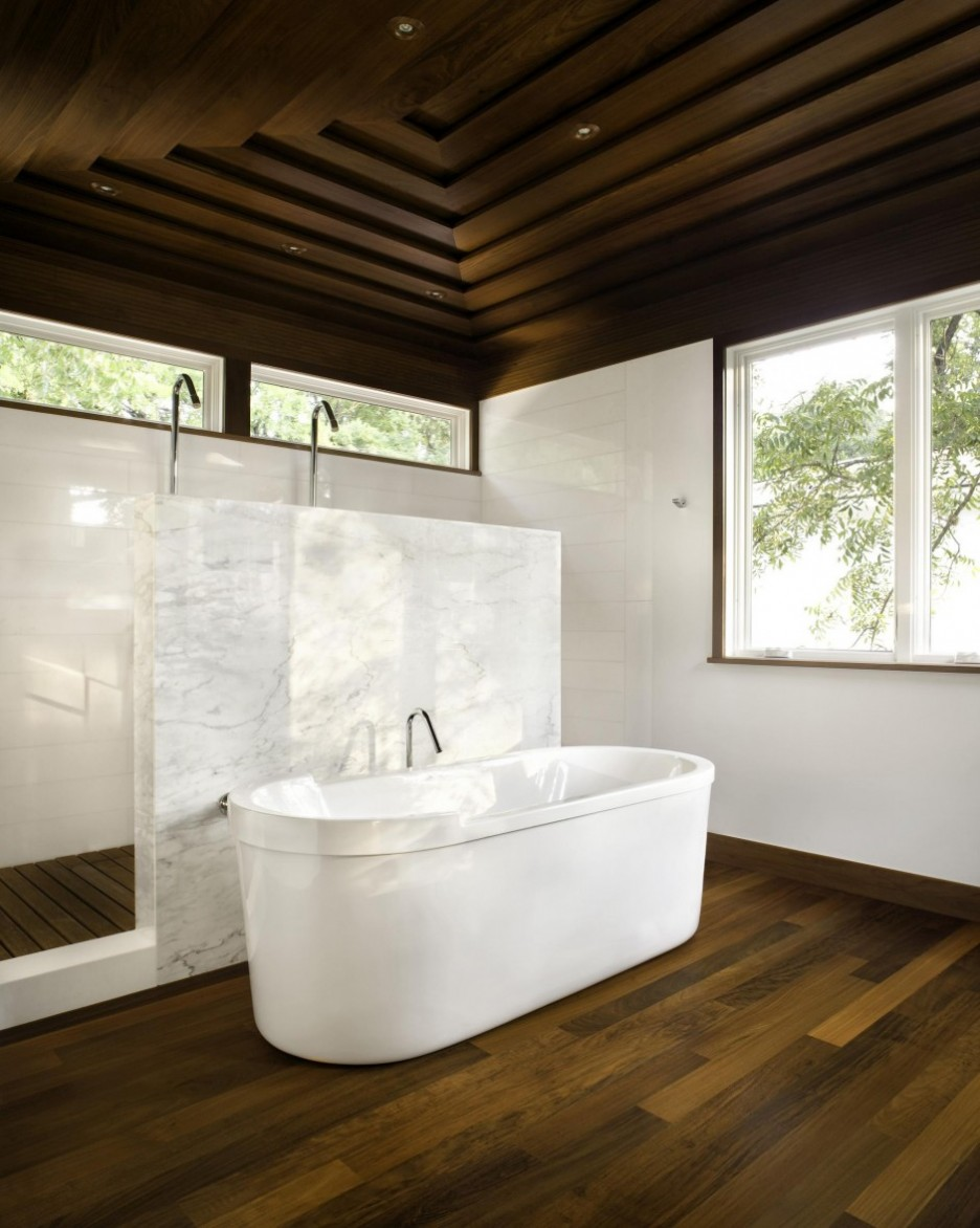 Белые стены в интерьере ванной