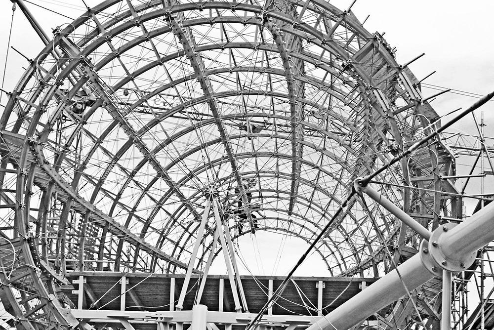 Читальный зал «Гулливер» в Праге: архитектурное сооружение в виде дирижабля