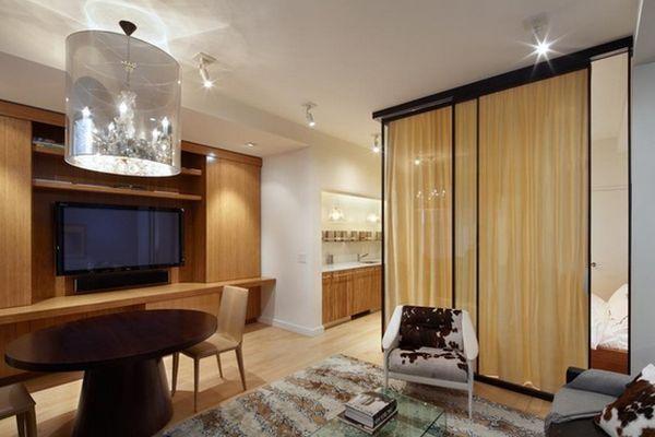 Межкомнатная перегородка-штора между гостиной и спальней