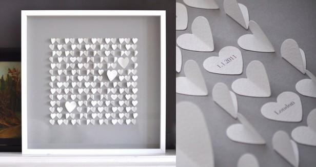 Белые сердца из бумаги в рамке