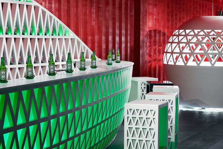 Инсталляция Heineken Pop-Up City Lounge
