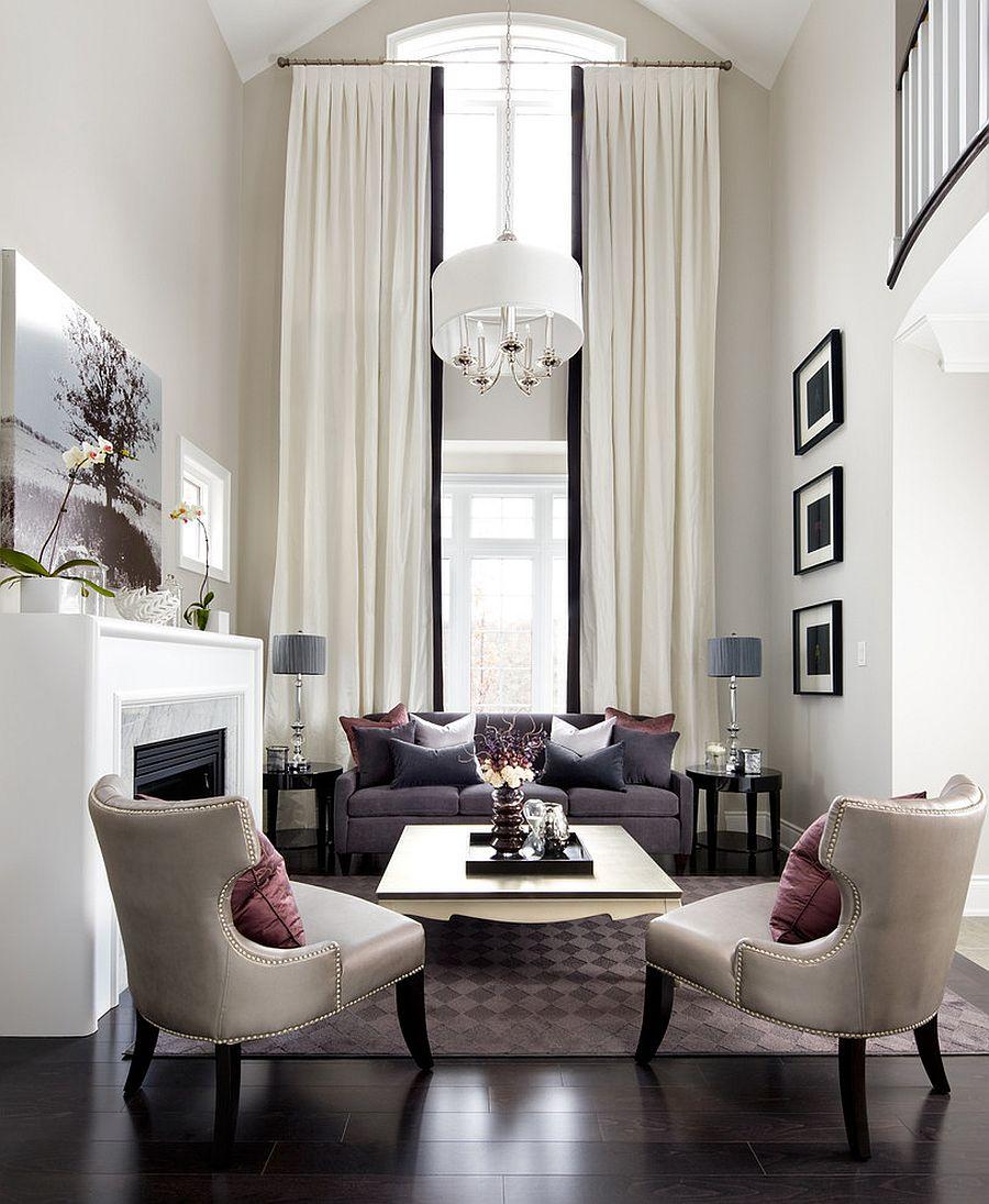 Превосходный дизайн интерьера комнаты с высоким потолком