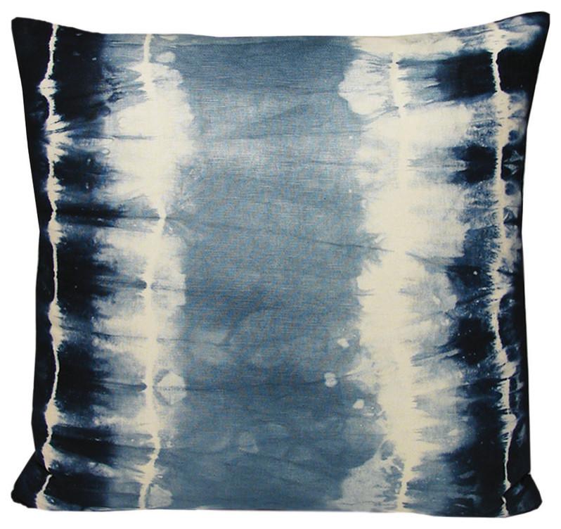 Красивая подушка в морском стиле