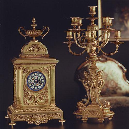 Фарфоровые часы и подсвечник в стиле «ампир»