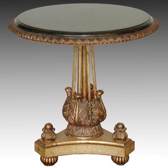 Красивый фигурный столик в стиле «ампир»