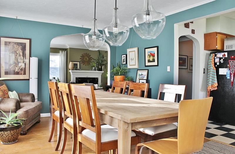 Голубые стены в столовой