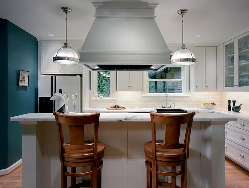 Синяя стена на кухне