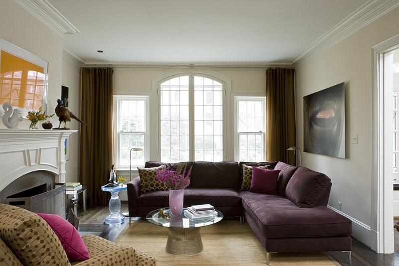 Фиолетовый угловой диван в интерьере