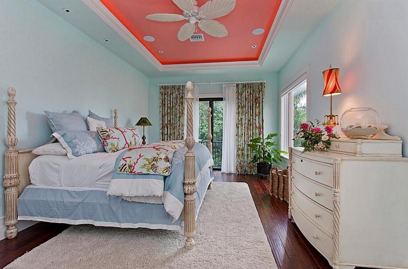 Коралловый потолок в спальне