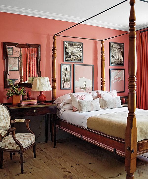 Коралловая стена в спальне