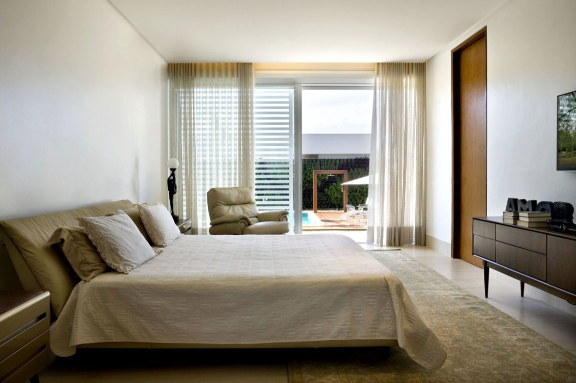 Роскошные шторы в дизайне интерьера помещения