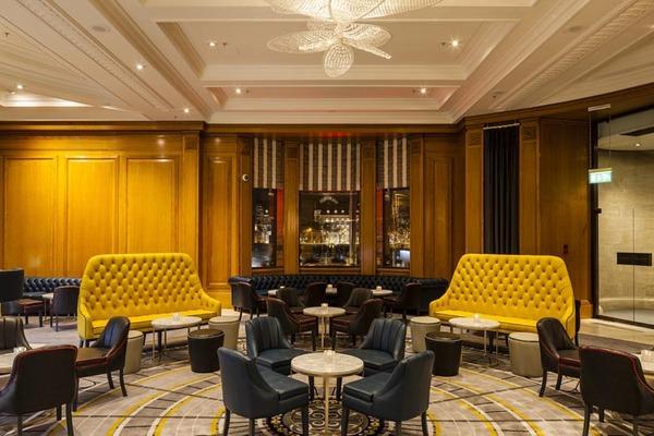 Gillari`s Bar в Лондоне