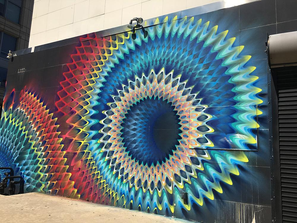 Красочные фрески от уличного художника Hoxxoh